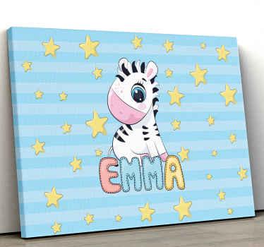 Impression de toile de zèbre qui comporte une image adorable d'un bébé zèbre entouré d'étoiles avec le nom de votre enfant en dessous.