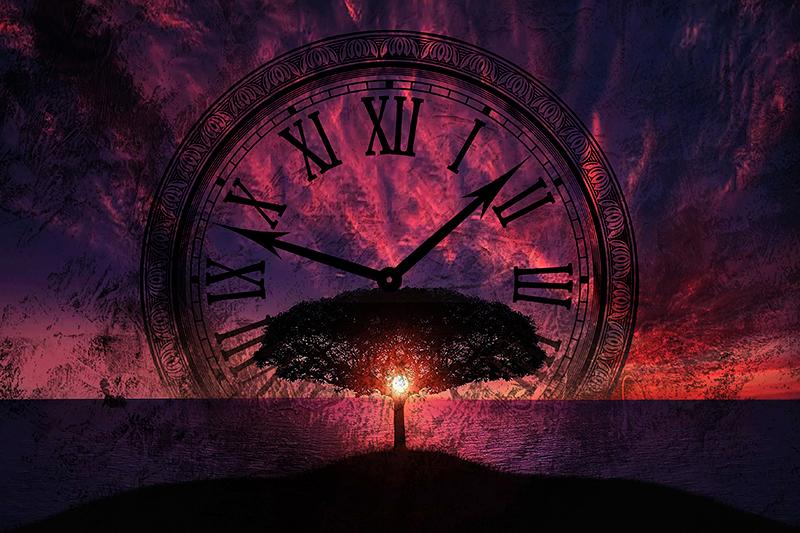 TenStickers. Dipinto arte Inevitabile flusso del tempo. Bellissima stampa artistica su tela con disegno di un paesaggio al tramonto con un grande orologio. Puoi decorare qualsiasi spazio con questa tela.