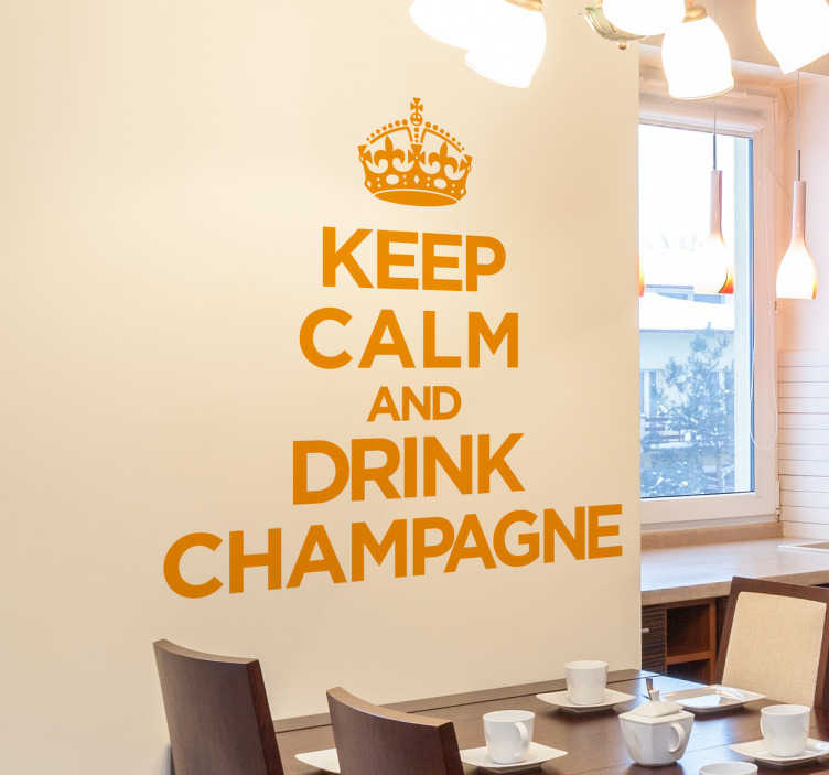 "TenVinilo. Vinilo keep calm champagne. Vinilo decorativo de frases con las míticas palabras del original póster ""Keep Calm and Carry On"" adaptadas a tu pasión por el champán."