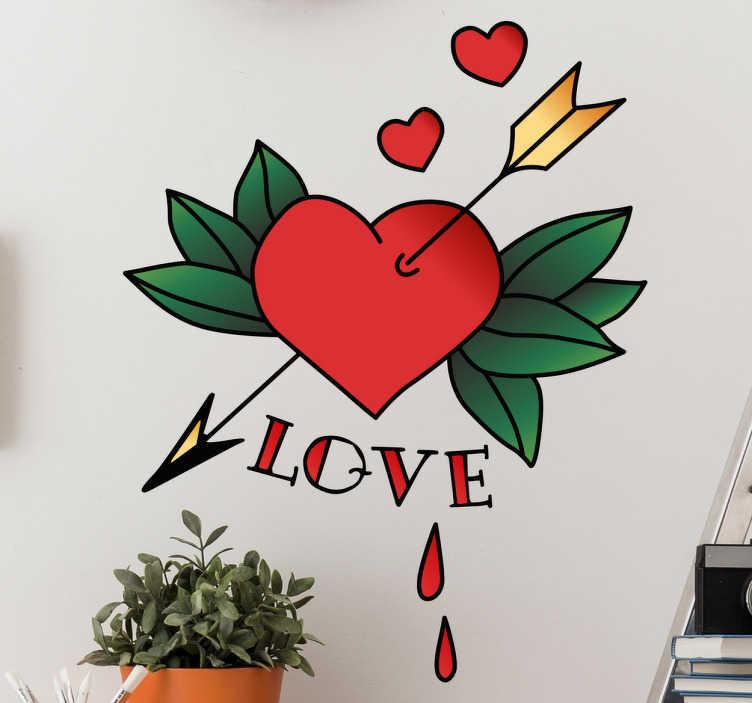 TenStickers. Naklejka dekoracyjna LOVE. Naklejka dekoracyjna w stylu tatuażu prezentująca serce przebite strzałą i napisem ' LOVE'.