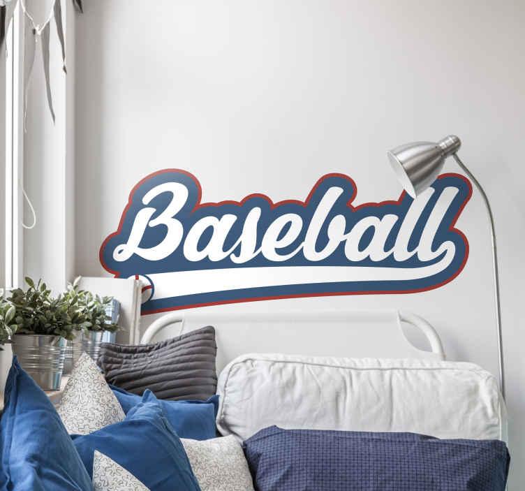 TenStickers. Wandsticker Baseball Schriftzug. Wandsticker Baseball Schriftzug – Sie finden Baseball großartig? Dann ist dieses coole Wandtattoo eine tolle Dekoration für Ihr zu Hause!