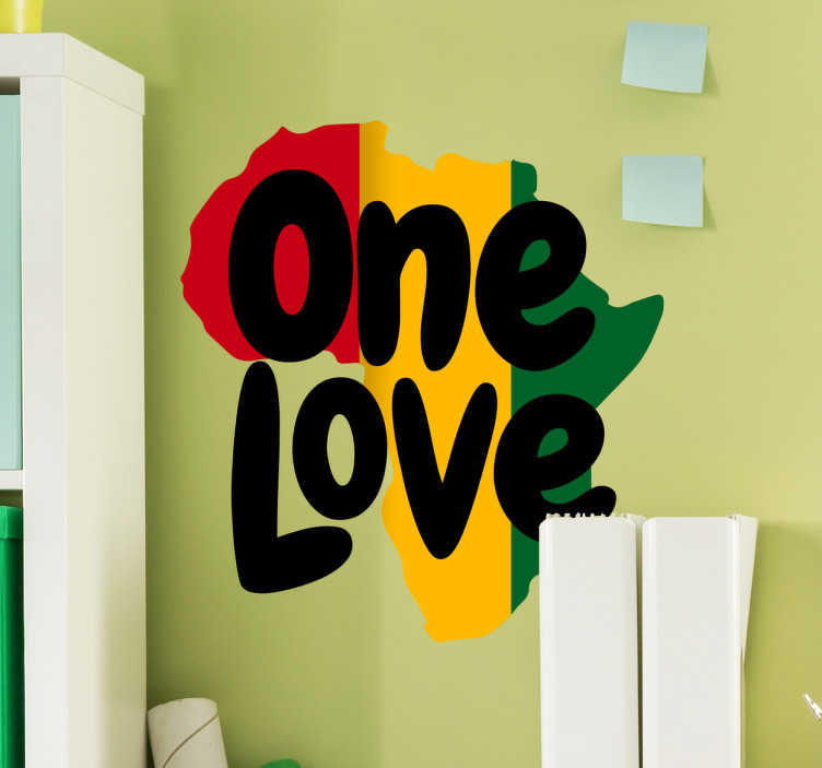 """TenVinilo. Vinilo decorativo One Love África. Vinilos reggae con una representación de la silueta del continente africano con los colores de la bandera de Etiopía y el texto """"One love""""."""