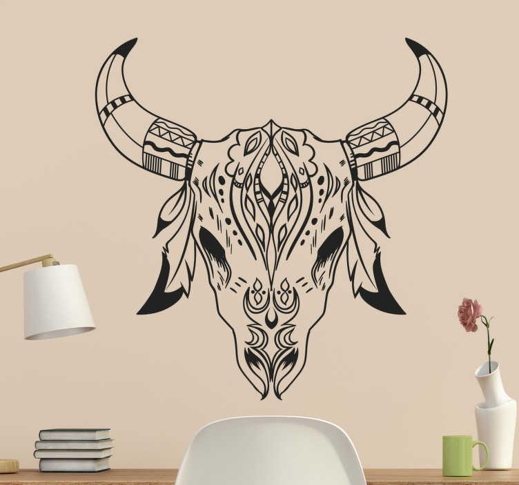 TenStickers. Wandtattoo Nordischer Totenschädel. Dieses Wandtattoo im Stil der nordischen Mythologie zeigt den Totenkopf einer Ziege mit Hörnern und Federn.
