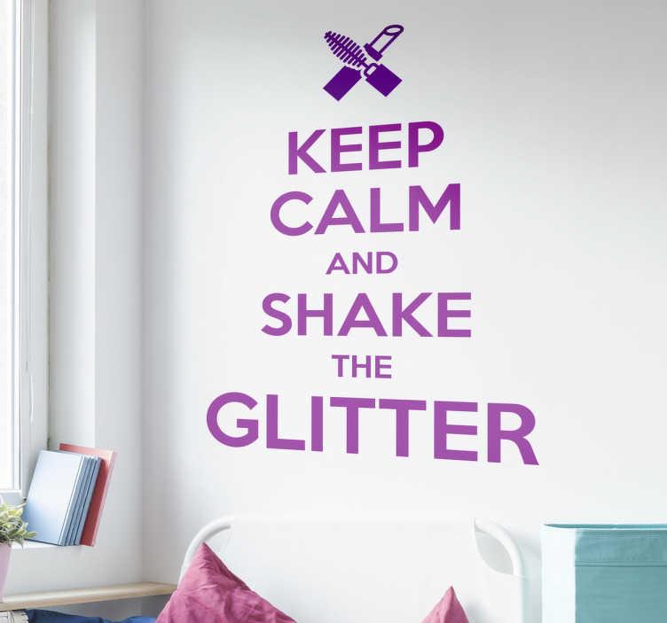 TenStickers. Tekst Sticker keep calm pinup. Tekst Sticker pinup met de Engelse tekst ¨keep calm and shake the glitter¨, met hierboven lippenstift en mascara afgebeeld.