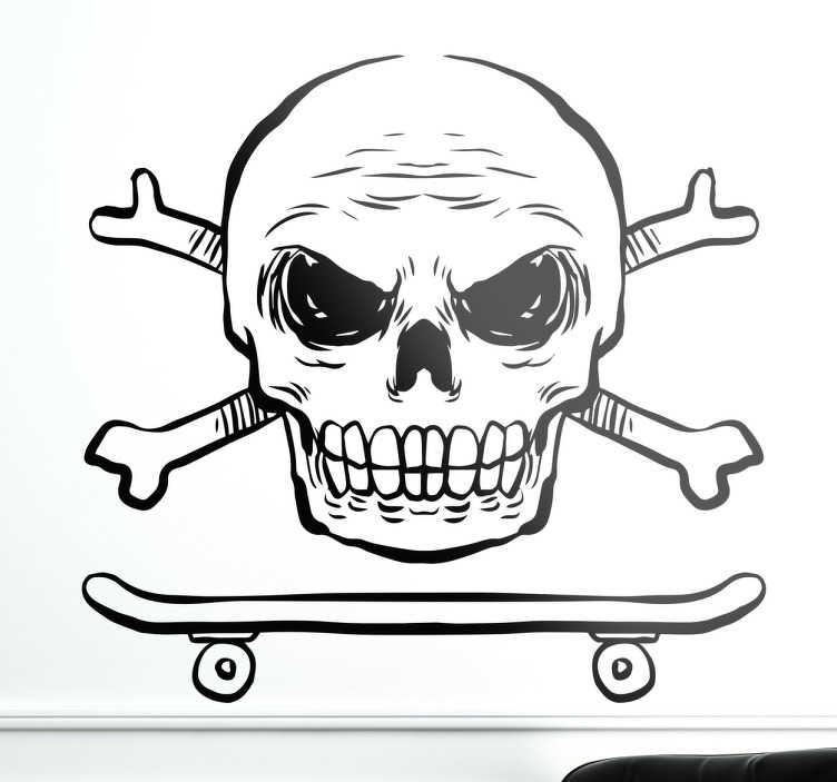 TenStickers. Muursticker skateboard doodshoofd. Muursticker waar een skateboard met daarboven een doodshoofd met gekruiste botten op is afgebeeld. Eenvoudig aan te brengen.