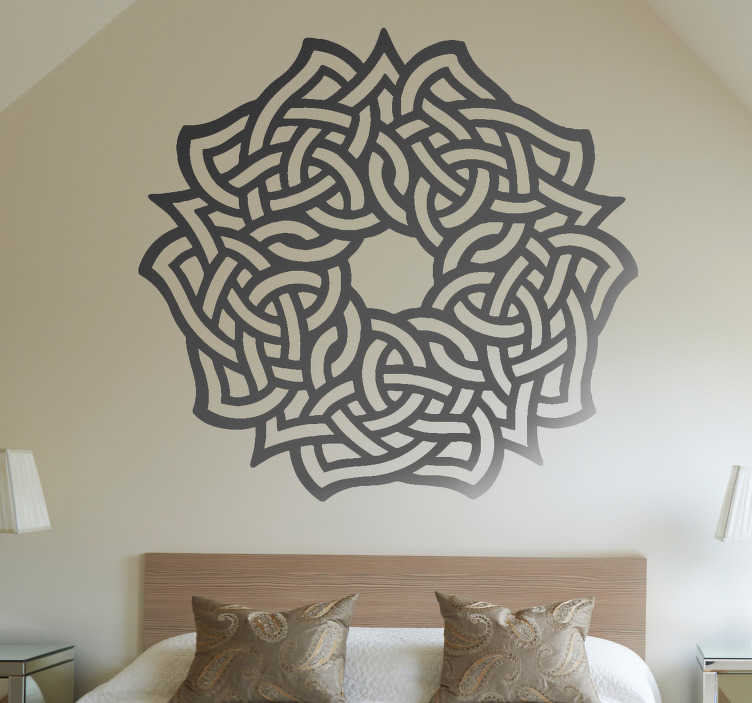 TenStickers. Adesivo floreale simbolo celtico. Adesivi decorativi basati in rose simmetriche di stile celtico. Una forma economica per dare un tocco elegante a qualunque stanza della tua casa.