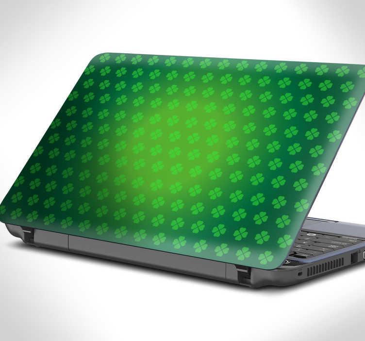 TenStickers. laptop sticker klavertje vier. Personaliseer je laptop met deze leuke decoratie sticker van een groen veld vol klavertjes vier en wens iedereen geluk.
