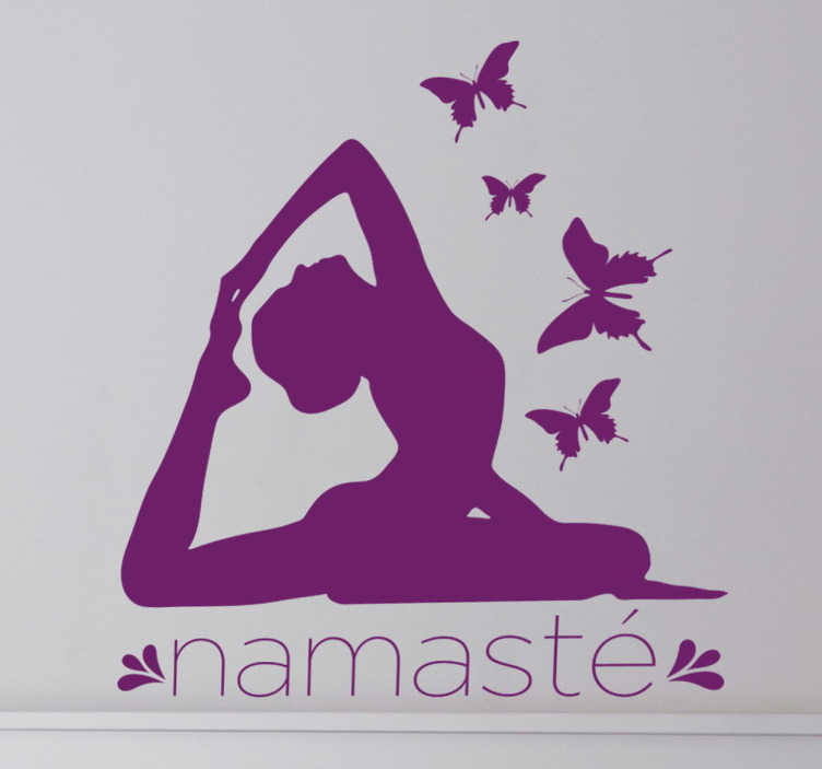 TenStickers. Wandtattoo Yoga namasté. Eines unserer Yoga Wandtattoos. Dieses Motiv hier zeigt eine Dame in einer Yoga-Position und das Wort Namaste.