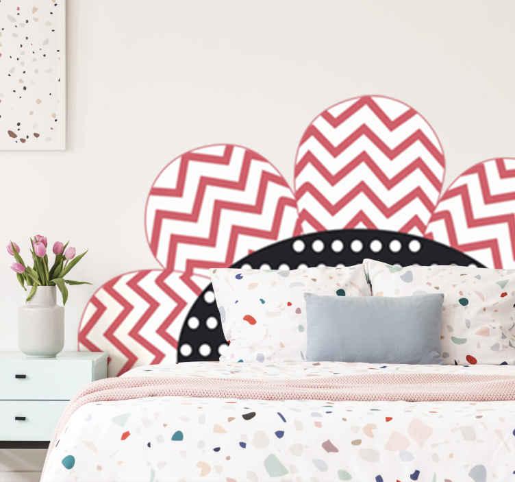 TenStickers. 花床头板墙贴花. 装饰花墙贴,可美化任何儿童作为床头板的卧室空间。它可以按任何要求的尺寸提供。