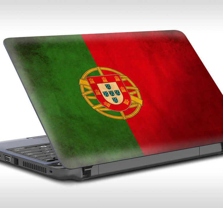 TenVinilo. Pegatinas para portátil bandera de Portugal. Vinilo bandera con una representación del emblema nacional del país luso con una misteriosa textura de desgaste.