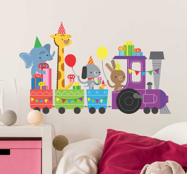TenVinilo. Vinilo infantil tren animales de la selva. Vinilos selva con una tierna ilustración de de varios animales salvajes montados en un tren yendo de fiesta.
