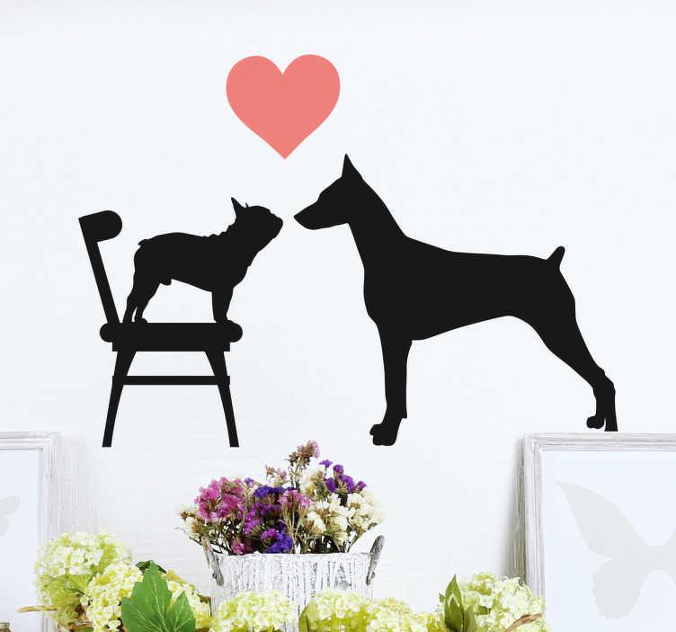 TenStickers. Wandtattoo Hundeliebe. Dieses süße Wandtattoo mit zwei verschieden großen Hunden die sich lieb haben. Perfekt für alle Hundeliebhaber.