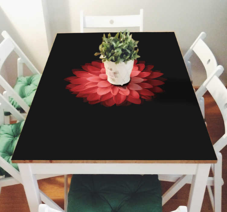 TenStickers. Vinilo Ikea mesas flor roja. De sticker bevat een prachtige afbeelding van een rode bloem op een zwarte achtergrond. De stickers zijn speciaal gemaakt voor IKEA tafels