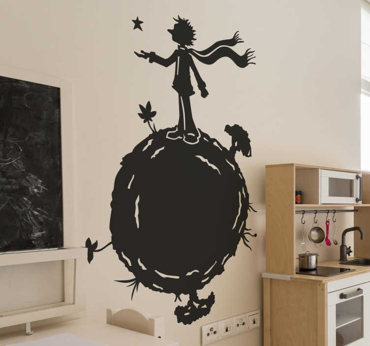 TenStickers. Wandtattoo der kleine Prinz auf dem Mond. Schönes Wandtattoo für das Kinderzimmer mit dem Motiv des Kleinen Prinzen auf dem Mond mit einer ausgestreckten Hand die nach den Sternen greift.