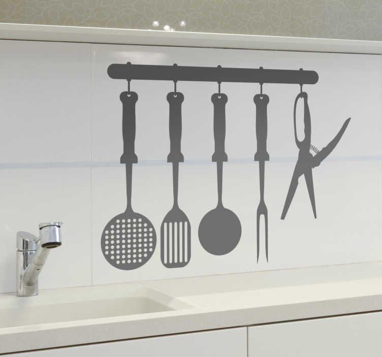 Tenstickers. Keittiövälineet Sisustustarra. Yksivärinen sisustustarra keittiövälineistä. Tyylikäs sisustustarra, joka sopii erinomaisesti keittiöön ja ruokailutiloihin.