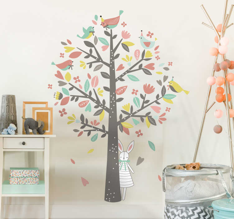 TenStickers. Adesivo per bambini albero uccellini. Adesivi cameretta con un albero popolato di uccellini colorati su un tronco dal quale si affaccia un dolce coniglio.