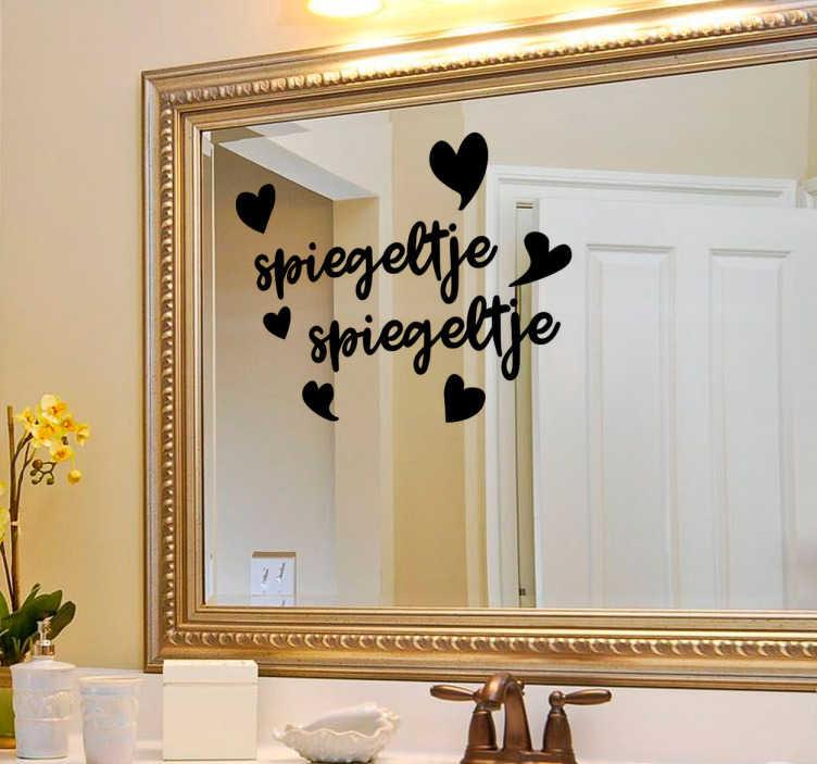 TenStickers. Sticker spiegeltje. Een muursticker met de befaamde sprookjes tekst ´spiegeltje spiegeltje´deze sprookjes tekst van sneeuwwitje kan zo op u eigen spiegel geplakt worden!
