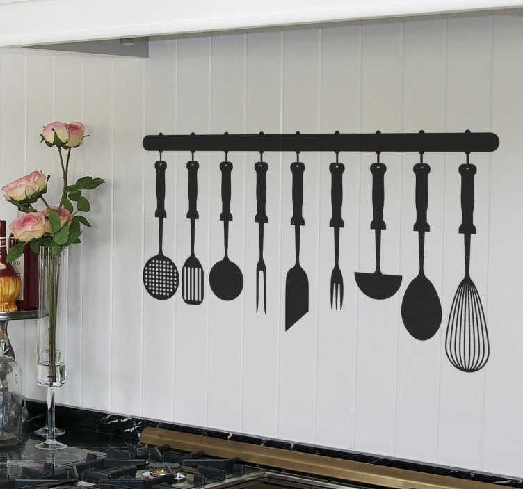 TenStickers. Küchenutensilien Aufkleber. Einzigartiges Wandtattoo von Küchenutensilien, die jeder Koch benötigt: Schneebesen, Pfannenwender, Suppenkelle,....