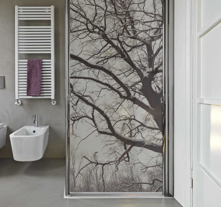 TenStickers. 树枝淋浴屏贴纸. 淋浴屏贴花 - 这种独特的树枝设计在您的淋浴玻璃上看起来很棒。把森林带到你的浴室,总是感到放松。