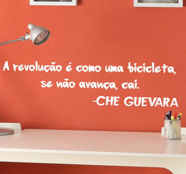 TenStickers. Vinil revolução bicicleta. Vinil Che Guevara bicicleta . Decora o teu quarto com este vinil autocolante decorativo por um preço muito economico.