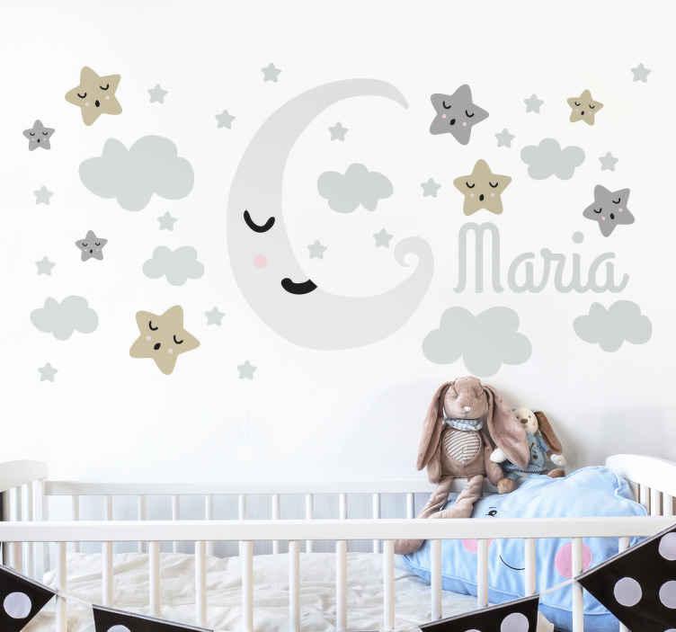 TenStickers. Maan en sterren sticker personaliseerbaar. Creëer sfeer in de kinderkamer middels deze met naam personaliseerbare muursticker met sterren, wolken en de naam  10% korting bij inschrijving.