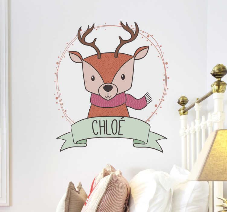 TenStickers. Rensdyr juleklistermærke. Dekorativt juleklistermærke med motiv af et rensdyr og en julekræns. Med mulighed for at personliggøre klistermærket med eget navn.