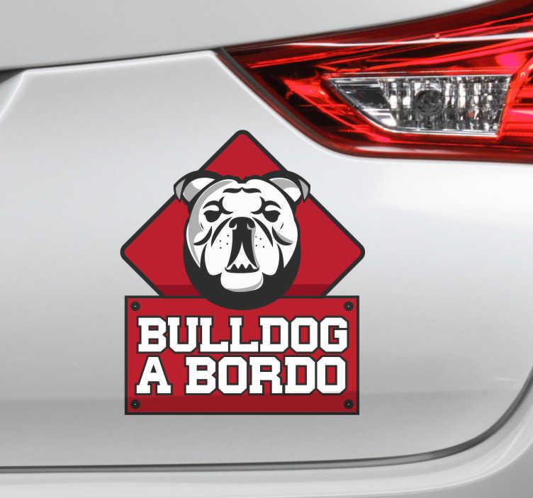 TenVinilo. Pegatina coche Bulldog a bordo. Adhesivos para coche con el dibujo de tu mascota con el que podrás indicar que en tu vehículo viaja un bulldog.