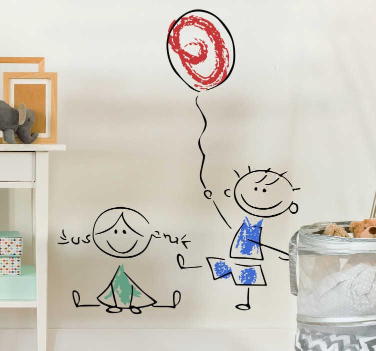 TenStickers. Sticker enfant dessin garçon et fille. Sticker enfant d'un dessin d'une petite fille avec des couettes assisse coloriée en vert et d'un petit garçon colorié en bleu tenant un ballon.