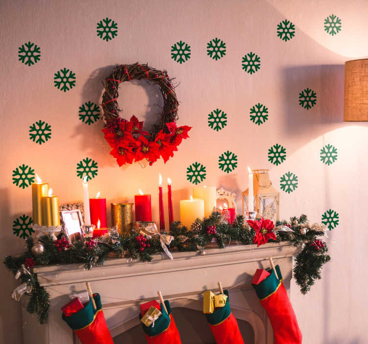 TenStickers. 크리스마스 눈송이 벽 sticke. 크리스마스 벽 스티커 - 귀하의 집에 크리스마스 응원을주고 우리의 축제 눈송이 데칼로 벽을 장식하십시오.