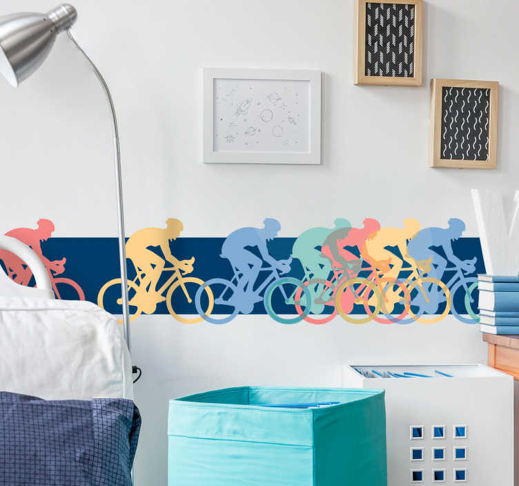 TenVinilo. Vinilo decorativo cenefa pelotón. Vinilo pared con la imagen de un pelotón formado por las siluetas de unos ciclistas en varios colores.