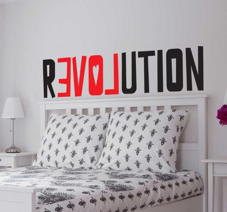 Tenstickers. Sisustustarra Love Revolution. Sisustustarra Love Revolution. Tämä hauska punamusta tekstitarra, jossa on sana Revolution, jonka sisään on piilotettu väärinpäin sana Love.