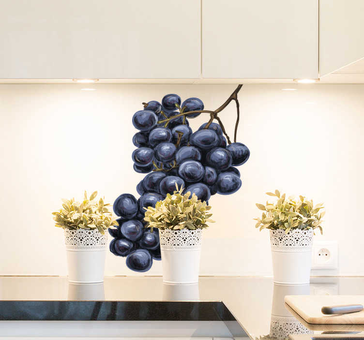 TenStickers. Muursticker rode druiven. Decoreer uw keuken of restaurant met deze smakelijk muursticker van rode druiven. Een sfeervolle toevoeging met een appetijtelijke look.