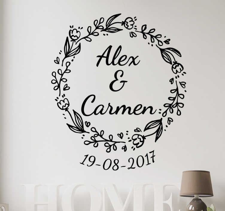 TenVinilo. Vinilo personalizable corona boda. Vinilo para Bodas de una corona de flores con los nombres en el interior y la fecha de la celebración.