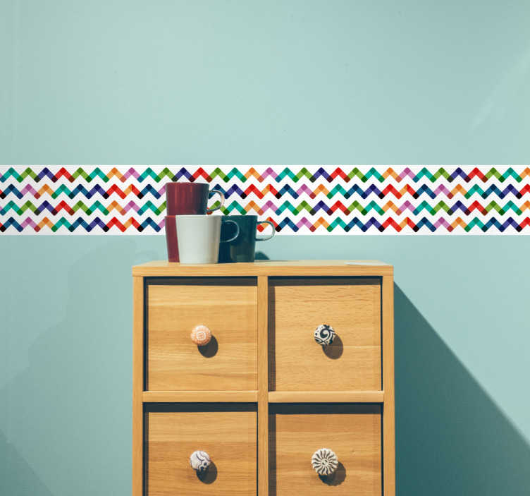 Tenstickers. Värikäs moderni koristereunus. Värikäs sisustusnauha minkä tahansa huoneen sisustusta piristämään. Värikäs kulmikkaasti aaltoileva kuvio tuo kaivattua lisäväriä värittömiinkin huoneisiin. Merkitse kenttiin haluamasi mitat tuotteelle ja valitse kappalemäärä niin näet kokonaishinnan.