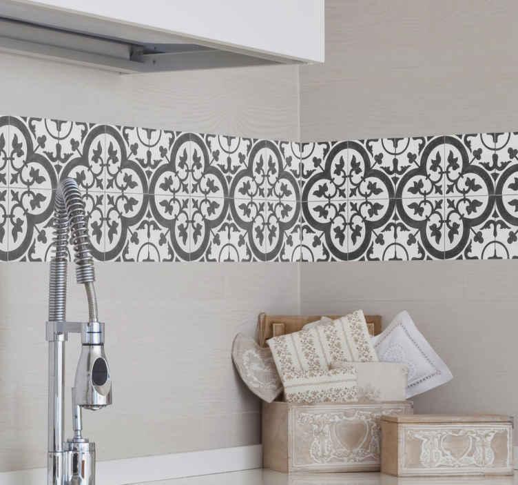 TenStickers. Behangrand muursticker Marokkaanse tegel. Geef een vernieuwde en elegante look aan de muren van je huis een behangrand geïnspireerd door een tekening van een tegel uit Marokko.