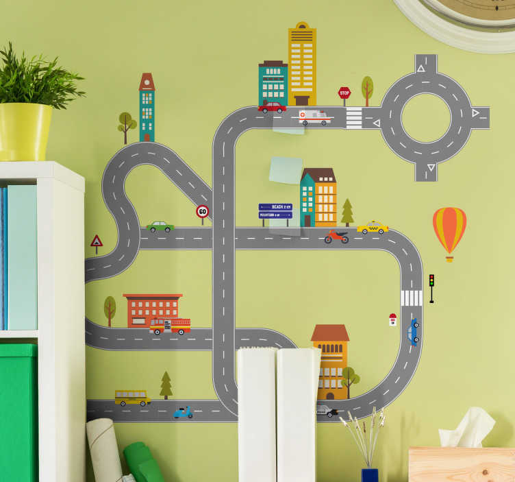 TenStickers. Sticker enfant éléments de la route. Découvrez notre sticker pour enfant représentant une route avec des voitures, des arbres, des bâtiments et des panneaux de signalisation.