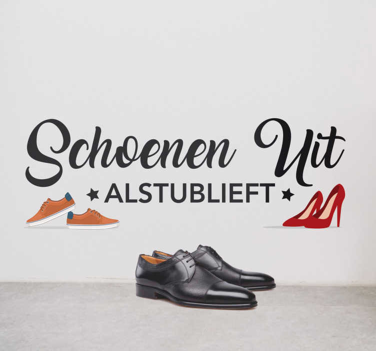 TenStickers. Sticker Schoenen uit alstublieft. Behoud een schone vloer met deze nette wanddecoratie. Verzoek uw gasten hun schoenen uit te doen met een mooie muursticker.