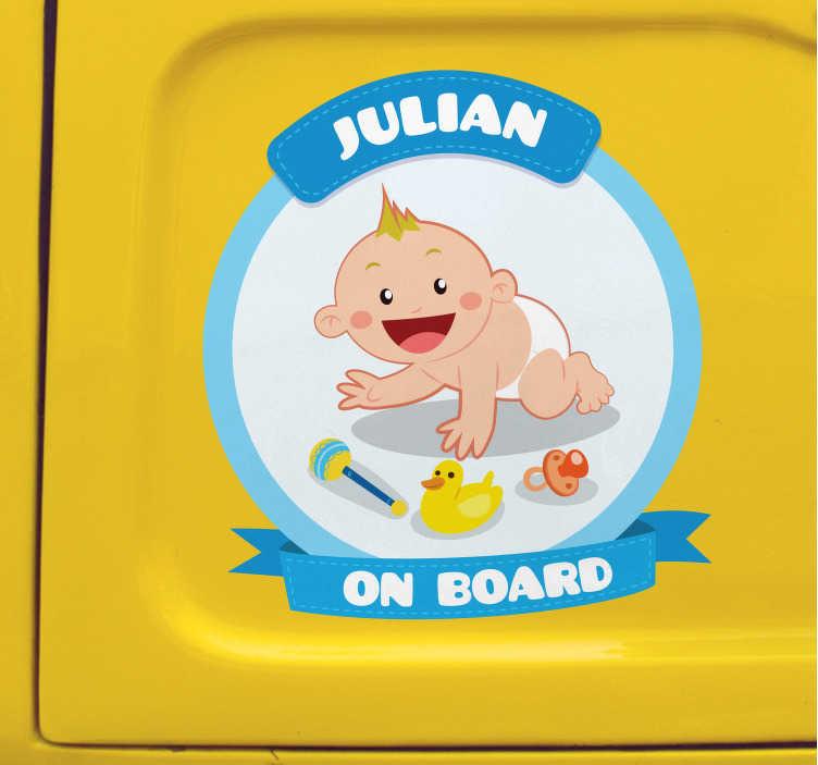 TenStickers. Baby na palubě pro nálepku vozidla. Originální a přizpůsobitelnou nálepku s křestním jménem dítěte, která varuje ostatní uživatele silničního provozu, že nejste cestující sám.