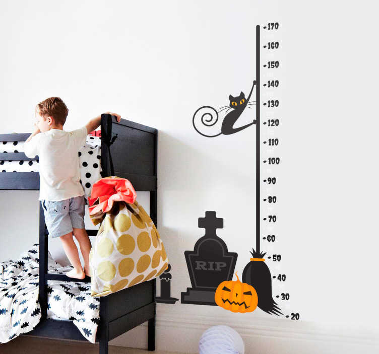TenStickers. Muursticker Halloween groeimeter. Houd de lengte van uw kinderen bij met deze angstaanjagende muursticker groeimeter. Griezelige wanddecoratie met een functie als meetlat.