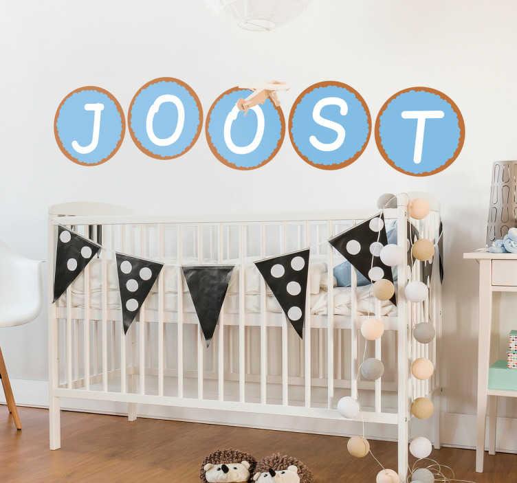 TenStickers. Sticker beschuit met muisjes jongen. Toon de naam van uw pasgeboren zoontje met deze leuke naamsticker van beschuit met muisjes. Leuk als raamdecoratie of muursticker.