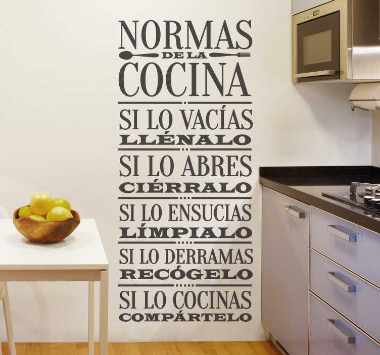 TenVinilo. Vinilo cocina normas básicas. Vinilos de texto para el hogar con una lista de pautas de comportamiento para toda la familia en la cocina y el comedor.