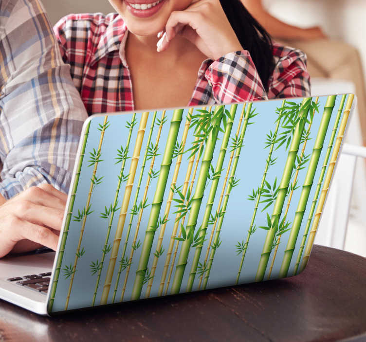 TenStickers. Laptop sticker bamboe. Zelfklevende laptop skin met bamboestokken om uw PC een oriëntaalse look te geven. Vinyl wanddecoratie van uitstekende kwaliteit.