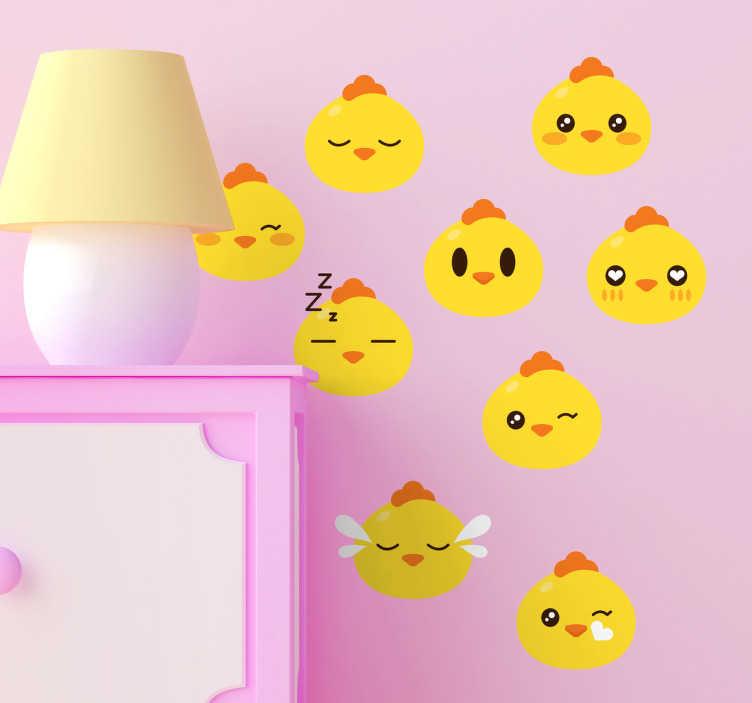 TenStickers. Sticker émoticônes poussins. Sticker mural décoratif représentant des émoticônes poussins. Ils font différentes expressions. Ils sont jaunes avec une crête orange.