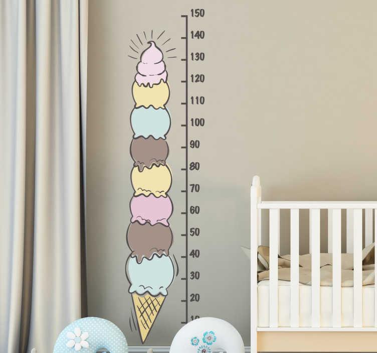TenStickers. Muursticker groeimeter ijsje. Muursticker groeimeter met de tekening van een enorm ijsje van verschillende smaken in verticaal formaat.