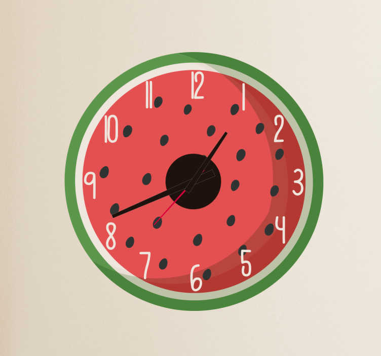 TenStickers. Klok sticker watermeloen. Decoratieve en originele kloksticker met de illustratie van een stuk van je favoriete fruit. Ideaal voor je keuken, woonkamer of slaapkamer.