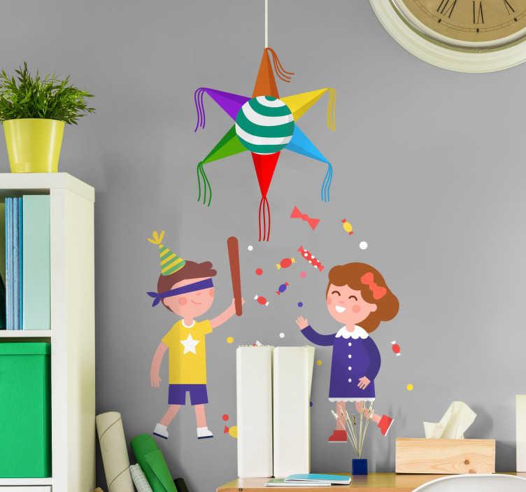 TenVinilo. Vinilo decorativo Posadas piñata. Vinil decorativo infantil con una ilustración de dos niños celebrando la fiesta de las Posadas con una piñata característica de estas fiestas.