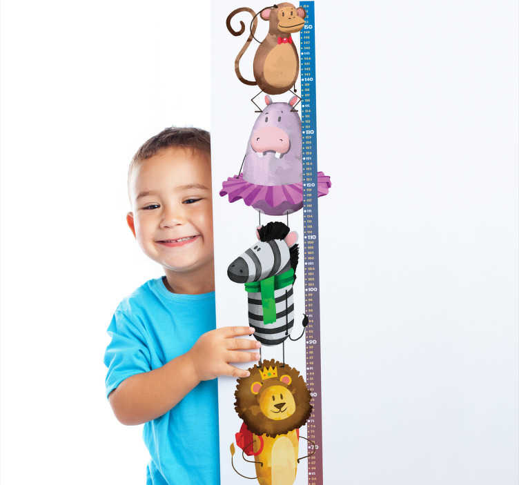 TenStickers. Naklejka na ścianę dla dzieci miarka wzrostu zwierzęta. Naklejka na ścianę miarka wzrostuto kolorowadekoracja ścienna, która przedstawia bajkowe zwierzęta takie jak lew, zebra, hipopotam oraz małpka.