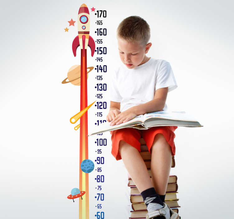 TenStickers. Muursticker groeimeter raket. Een mooie groeimeter muursticker met een ruimtevaartthema voor kinderen. Een meetlat van een raket, sterren, een planeet en meer.