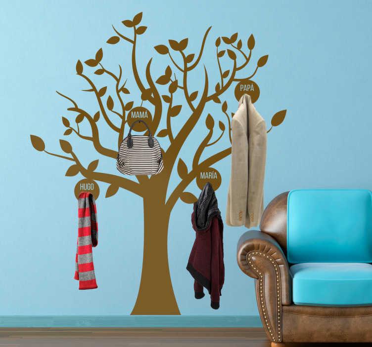 TenVinilo. Vinilo colgador árbol personalizable. Este original vinilo mural está pensado como un perchero en el que se puede personalizar el nombre de cada uno de los percheros.