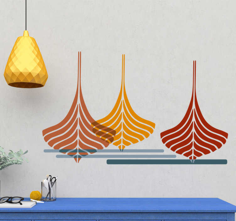 Tenstickers. Sisustustarra minimalistiset veneet. Sisustustarra minimalistiset veneet. Oranssi, punainen ja keltainen vene vesillä. Yksinkertainen ja tyylikäs merellinen seinätarra.